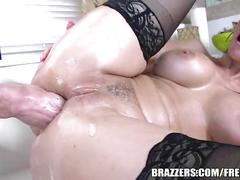 Brazzers - sexy maid syren de mer loves anal