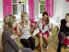 Girls try cheerleading @ season 2, ep. 7