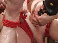 Dude gets his dick sucked while being tied