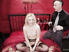 Sweet blonde babe kinked at instructional workshop