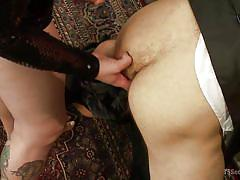 Thick tranny fucks her sex slave
