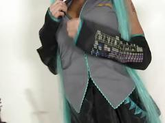 [cosplay babes] let hatsune sing - elizabeth bally [vocaloid]