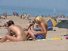 Beach nudist - 0143 summer 2009 2-2