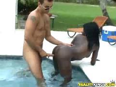 Ebony babe fucked bad !