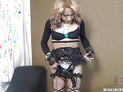 Tranny drops her panties and tugs off
