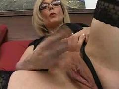 Nina hartley teaches guys and sucks cock