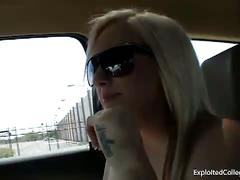 Sexy blonde college babe blows her man in a car