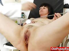 Slavomira gets an enema from her gynecologist