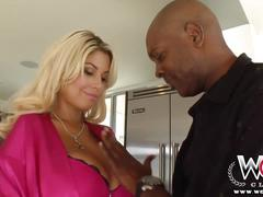 Wcp club busty blonde juicy booty takes on a bbc