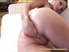 Flexi girl fist her ass