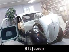 Xxx old young service in a car garaje
