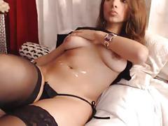 Gorgeous hottie in bed - webcam