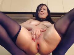 Milf webcam model huge dildo in her ass