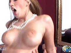 Kelly divine bubble butt takes a ride on hard cock