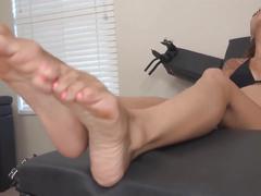 Sasha foxx & katie  foot worship