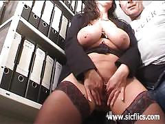 Busty brunette milf loves fisting penetrations