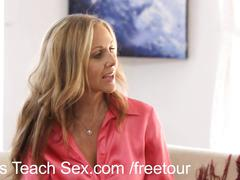 Teen couple gets sex lessons from hot mom