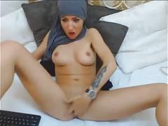 Sexy hijab webcam babe