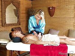 Dakota gives kenny more than a massage