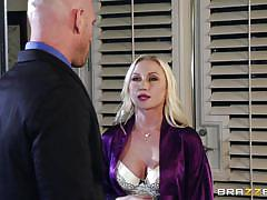 Blonde is craving for a dick