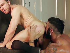 Tattooed guy gives a good butt fuck