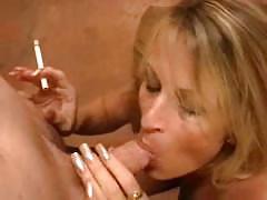Mom smoking bj