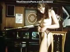 Annette haven, lisa de leeuw, paul thomas in vintage xxx clip