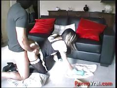 Le patron oblige sa femme de menage a baiser avec lui !! french amateur
