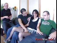 Etudiante super chaude baise 1ere fois avec 3 mecs !! french amateur