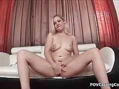 Blonde slut cindy loo masturbates and gives head