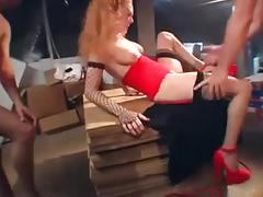 Glamour babe getting dped by two guys on a table