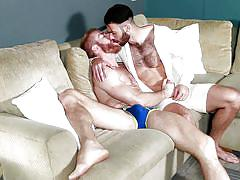 Horny guys make out on the couch
