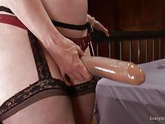 Slutty lesbians love to play kinky