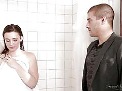 Jodi and xander fight for a spot in the bathroom @ sibling rivalry
