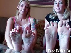Jerk your dick to your hot roommates sexy feet