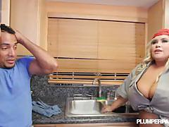 Blonde plumper kacey parker gets banged hard