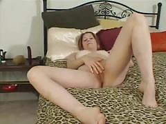 Amateur lesbian brunettes dildo their cunts
