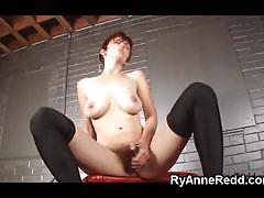 Dominant ryanne redd masturbates and gets off