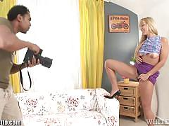 Whiteghetto blonde cougar's bbc