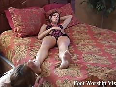 Lady sneaks in to worship sadie's soft feet