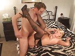 Slutty milf drilled hard by a horny cock