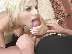 Sizzlin hot blonde milf gets pussy pounding