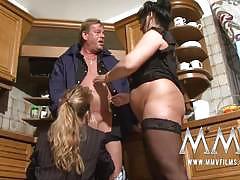 Plump german matures share a guy's pecker