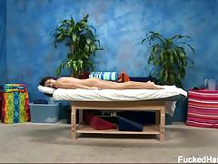 Amber alexis gets her hot body massaged