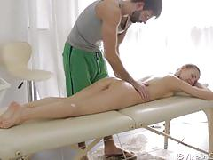 Sexy slim julie let her masseuse fuck her cunt