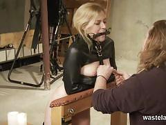 Nasty slave takes it to the extremes
