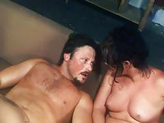 Gleesome threesome: pussy and anal fuck