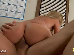 Blonde amy brooke takes a big hard dick in her ass