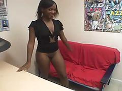 Ebony amateur babe gets white meat pussy pounding