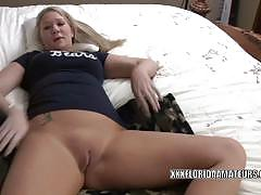 Naughty blonde milf gets her sweet cunt dildoed